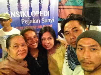 Unda, Atra, Siska, Rizki, Kim: selfie kekinian